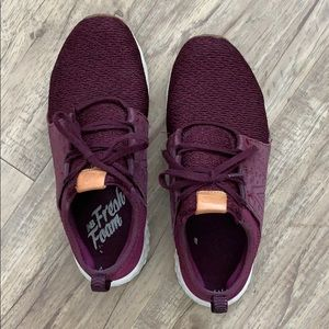 Men's New Balance Maroon Sneakers